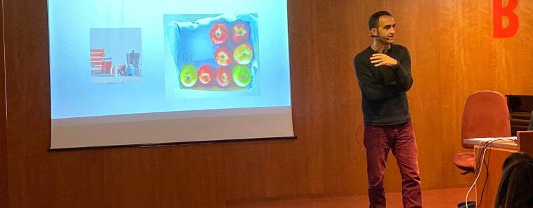 Jacinto Cabello en un moment de la seva Conferència